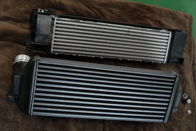 AC schnitzer インタークーラーKIT.JPG