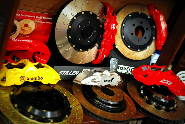 BMW brembo AP Racing D2 STOPTECH alcon.JPG