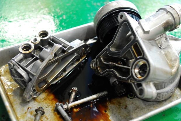 E93 335i N54 フィルターハウジング オイル漏れ (2).JPG