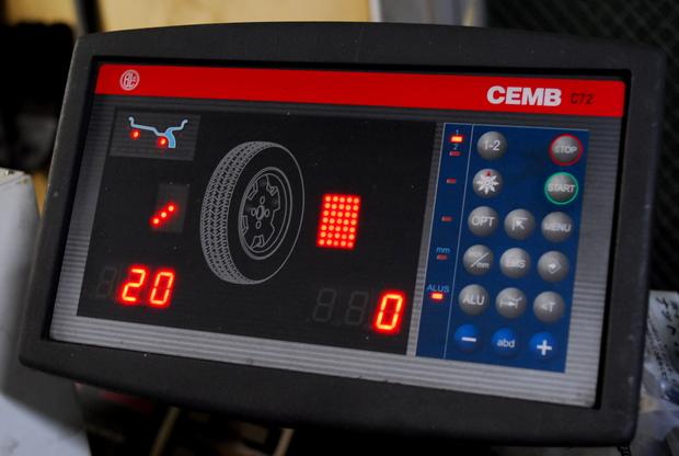 BBS RS-N 20inch ADVAN dB F10  (16).JPG