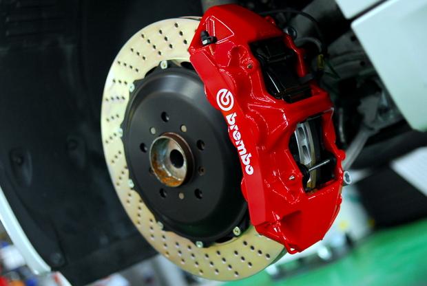 E92M3 brembo RED (2).JPG