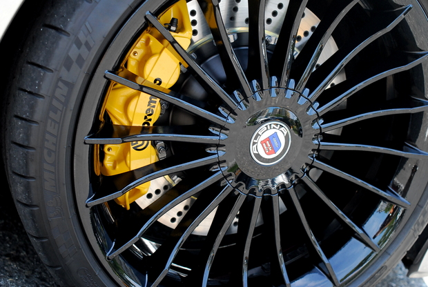 F01 brembo Yellow ALPINA (1).JPG
