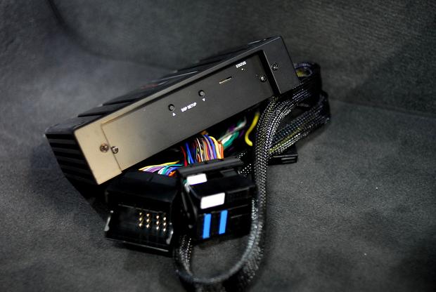 Studie サウンドプロセッサーアンプ F30 E82 (3).JPG