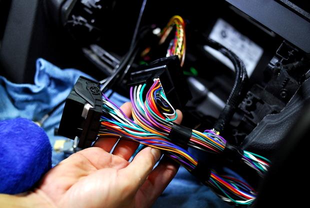 MATCH サウンドプロセッサーアンプ DSP BMW F30 (1).JPG