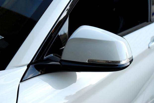 AKRAPOVIC Dry Carbonミラーカバー BMW (3).JPG