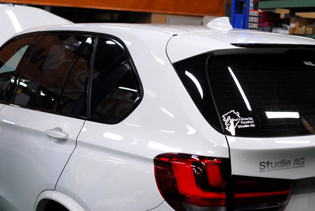 BMW F15 X5 35d ルーフレールレスモール (3).JPG