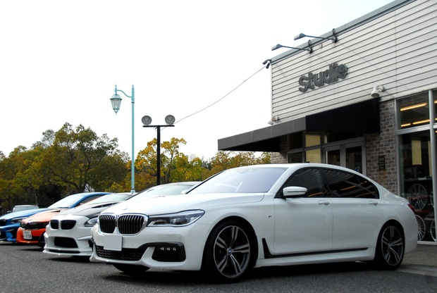 BMW G12 750Li エアサス ローダウン  (2).JPG