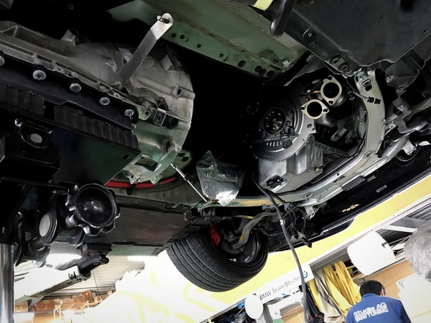 BMW N52 N54 クランクシャフトシール (1).JPG
