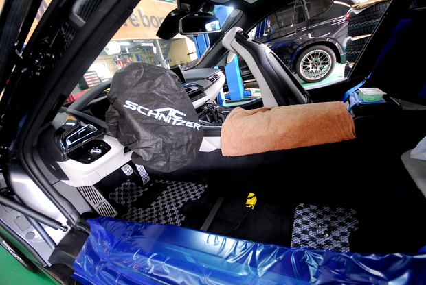 BMW i8 RECARO Sportstar Limited (2).JPG