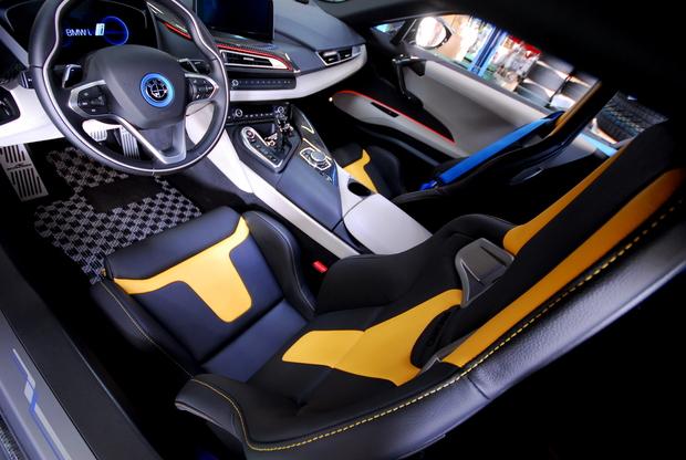 BMW i8 RECARO Sportstar Limited Yellow (4).JPG