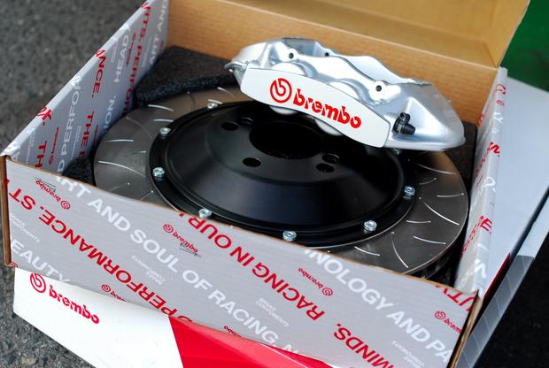 brembo GT Kit F87 M2 kumamoto Silver (2).JPG