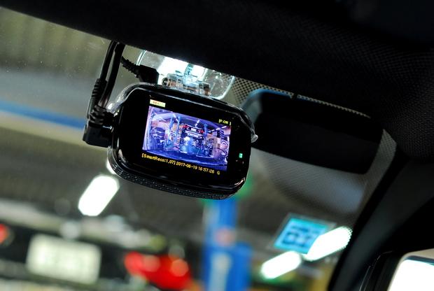 BREX BCC510 ドライブレコーダー Smart Reco 駐車監視 リアカメラ (2).JPG