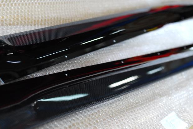 F15 X5 3D Design Carbon サイドスカート (2).JPG