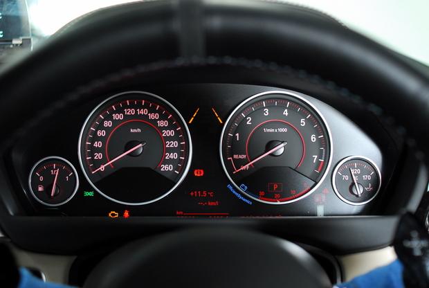 F30 Lci メーターパネル レトロフィット (2).JPG