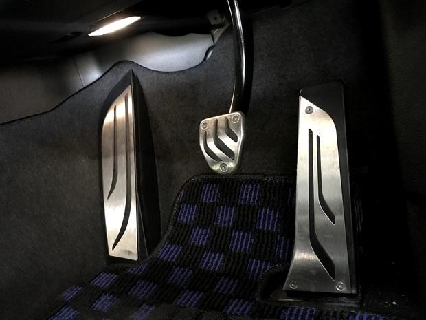 F87M2 ブレーキペダル AT 3D Design (4).JPG