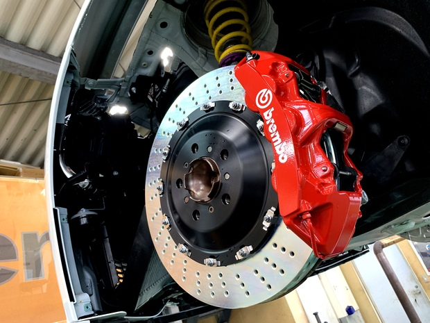 F82 M4 Competition brembo KW (1).JPG