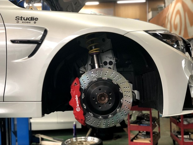 F82 M4 Competition brembo KW (3).JPG